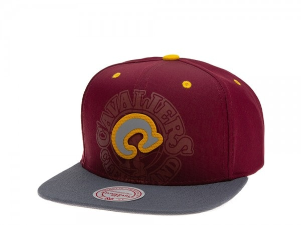 Mitchell & Ness Cleveland Cavaliers Reflective 2 Tone Snapback Cap