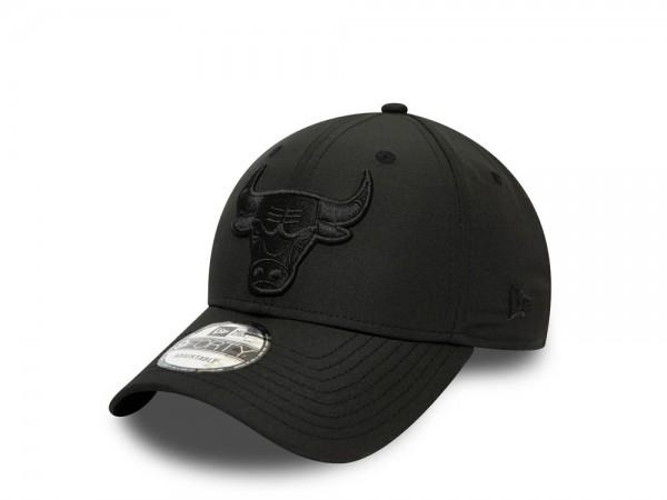 New Era Chicago Bulls Nylon Black on Black 9Forty Strapback Cap