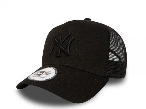 New Era New York Yankees All Black Trucker Snapback Cap