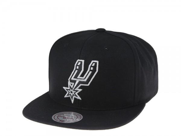 Mitchell & Ness San Antonio Spurs Black and White Team Snapback Cap