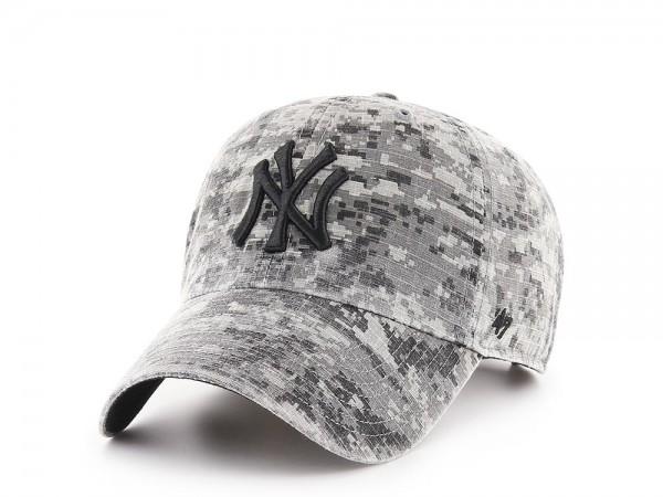 47Brand New York Yankees Digi Camo Ripstop Clean Up Strapback Cap