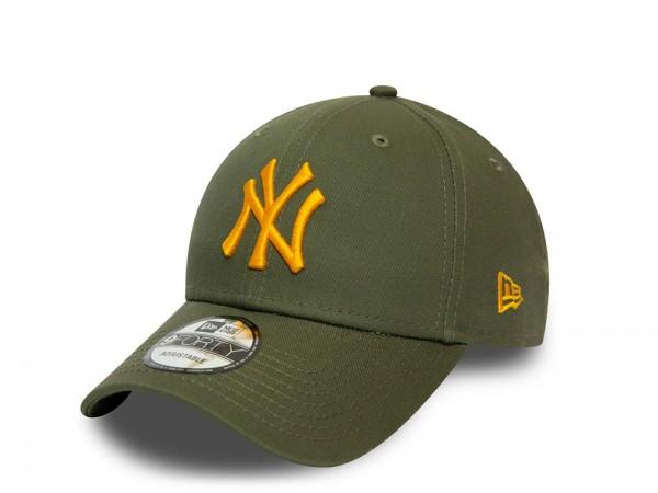 New Era New York Yankees Olive Essential 9Forty Strapback Cap