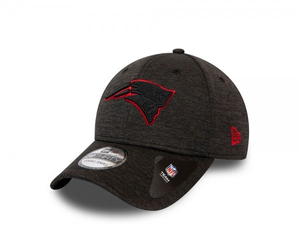 New Era New England Patriots Shadow Tech Outline Stretch Fit 39Thirty Cap