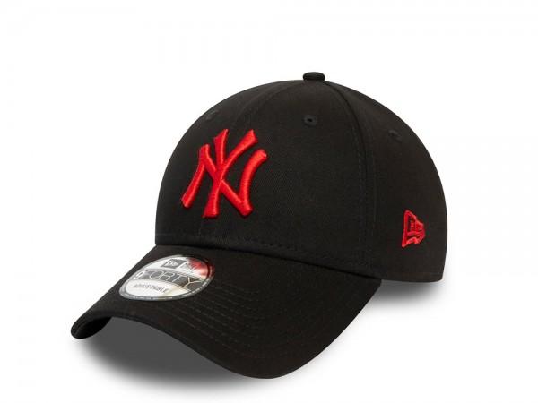 New Era New York Yankees Black Fire 9Forty Adjustable Cap